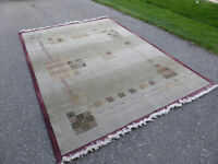 Large modern area rug approx. 6 x 9 ft