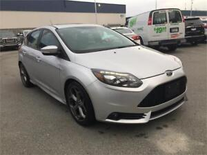 2014 Ford Focus ST (ONLY 70,000 KMS) LEATHER  W/ NAV