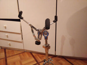 PDP by DW snare drum stand