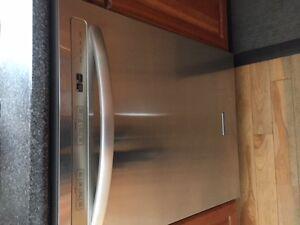 Kitche Aid Satinless Steel Dishwasher- NOt working