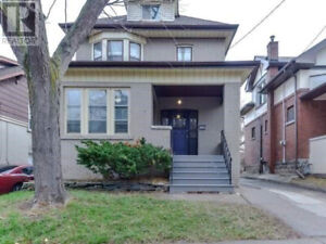 Bright Spacious 1 Bedroom Basement Apt w/ separate entrance