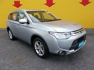 2015 Mitsubishi Outlander ZJ MY14.5 ES 4WD Silver 6 Speed Constant Variable Wagon Winnellie Darwin City Preview