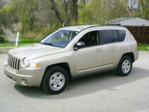 2010 Jeep Compass SP North Edition 4X4 Auto - only 137 km