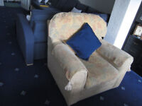Excellent condition Armchair - only £25 (mathing sofa available too, advertised seperately)