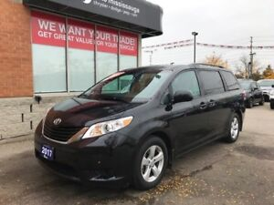 2017 Toyota Sienna LE 8 Passenger | Rear Camera | Bluetooth