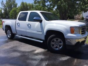 2012 GMC Sierra 1500 SLE Pickup Truck $22,500 or Best Offer
