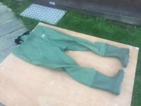 Carp Fishing & Bait Digging Size 9 Nine Fishing Waders - Only Used Once