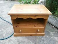 Pine TV cabinet with one drawer