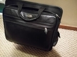 GREAT CONDITION LAPTOP BAG / CASE