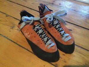 Free Climbing women's climbing shoes - Size 8