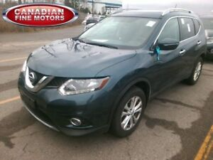 2015 Nissan Rogue SV|PANO ROOF BACK UP CAMERA| ALLOY'S