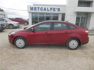 2014 Ford Focus SE - VERY LOW KMS! LIKE BRAND NEW!