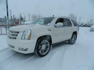 2012 Cadillac Escalade/ALWAYS SERVICED AT EDMONTON MOTORS