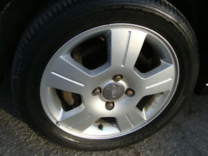 2007 FORD FOCUS SES HATCHBACK SNOW TIRES''GST INCLUDED'''' West Island Greater Montréal image 18