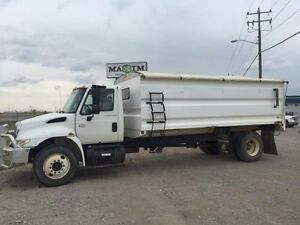2005 International 4300 4x2, Used Grain Truck
