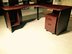 Large Computer Desk in Excellent Condition Oakville / Halton Region Toronto (GTA) image 5