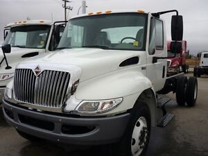 2018 International 4300 4x2, New Cab & Chassis