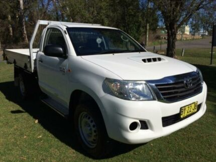 2013 Toyota Hilux KUN16R MY12 SR (4x4) White 5 Speed 5 SP MANUAL Cab Chassis Tuggerah Wyong Area Preview