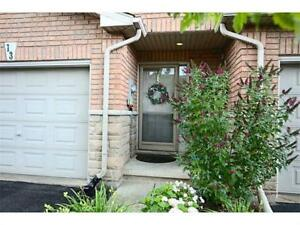 Beautiful Townhouse close to highway and all amenties in Grimsby