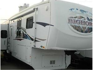 2008 BIGHORN 3600 RL IS A PREMIUM UNIT & ONE OWNER ONLY SALE!