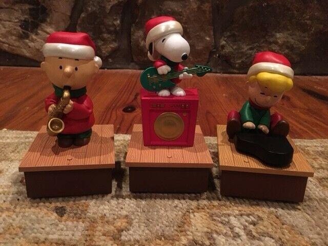 Hallmark Christmas Peanuts Christmas Band Charlie Brown Schroeder Snoopy 2011