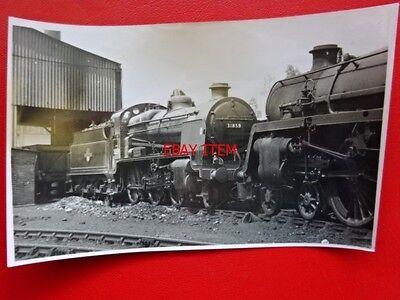 PHOTO  SR MONGOLIPERS LOCO NO 31859 AT BASINGSTOKE SHED 7/9/63