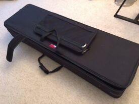 Gator 88-note keyboard case with wheels