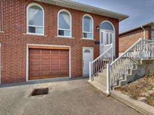 Mississauga close to UT&Square One 5br backsplit semi for lease!