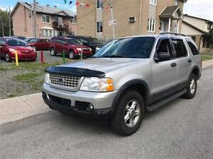 2003 Ford Explorer XLT        TRES  PROPRE COMME NEUF