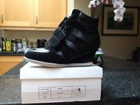 Fiore high heeled trainers - size 5 / 38 - Never Worn