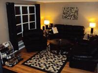 UWO 1 very nice bright BDRM - 12 Month Lease ( Males)