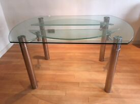 **Glass Dinning Table For Sale in Green Quarter**