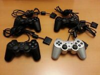 4 x PS2 CONTROLLERS, VERY GOOD CONDITION BUT NOT WORKING, OPPORTUNITY TO BUY / FIX / SELL - PICK UP