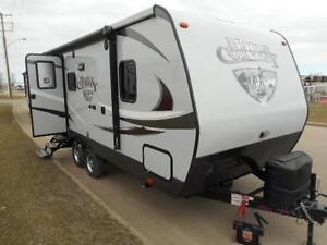 2017 MAPLE COUNTRY 198 RB  - TRAVEL TRAILER - TANDEM AXLE
