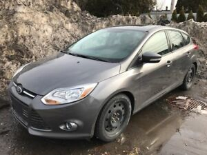 2014 Ford Focus SE Hatchback MAG TOIT CUIR  MAN