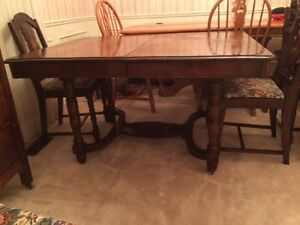 Antique dining table and chairs London Ontario image 2