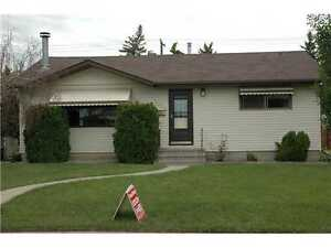 Perfect SOUTHSIDE Capilano Bungalow – RENO'S & Double Garage!!