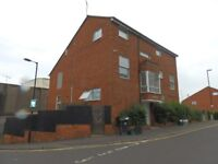 Large 2 bed flat in Stokes Croft - 2 double bedrooms, large separate lounge, kitchen, unfurnished