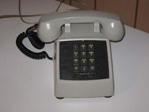 PUSH BUTTON VINTAGE TELEPHONE 1950'S WORKING ORDER