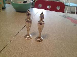 Vintage Silver Salt+Pepper Shakers.Mint No dings.Polished.