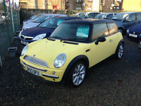 MINI COOPER 1.6 03 REG PANORAMIC ROOF BLACK AND YELLOW EXCELLENT CONDITION
