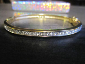 SWAROVSKI Jewellery, Bangle, NEW - REDUCED