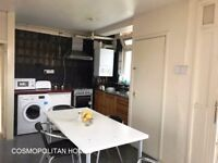 BRICKLANE, E1, WELL SPACED 4 BEDROOM APARTMENT WITH PRIVATE BALCONY