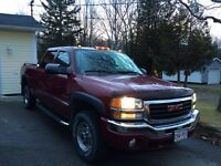2004 GMC Sierra 2500 CREW CAB for trade