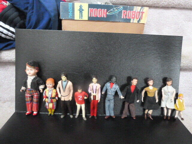 Mixed vintage 1950s - 1970s doll lot - dollhouse celluloid souvenir black AS-IS