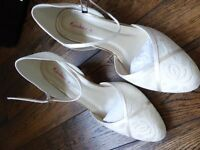 BRAND NEW BOXED SIZE 5 RAINBOW CLUB SHIRLEY SATIN WEDDING SHOES