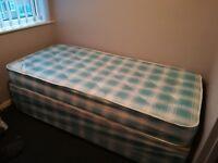 Windsor Single Divan Bed Great condition