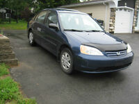 2003 Honda Civic berline air,bon pneus,antirouille,écono,fiable