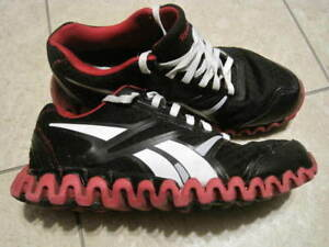 20$ Chaussures Reebok Femmes / Women's Shoes Size / Taille 6 1/2