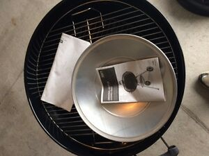 """CharBroil 22.5"""" Charcoal Kettle Grill London Ontario image 1"""